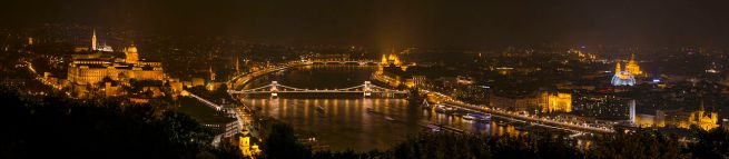 1280px-Panoramic_view_of_Budapest_2014