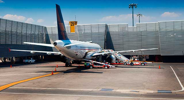 plane-at-benito-juarez-mexico-airport