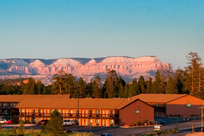 Bryce-View-Lodge-Sunset-fe